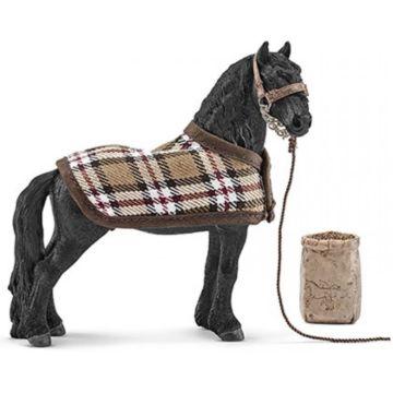 Набор фигурок для ухода за лошадьми Фризский Schleich
