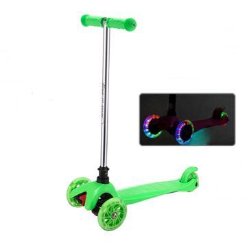 Самокат Sweet Baby Triplex Light со светящимися колесами Green