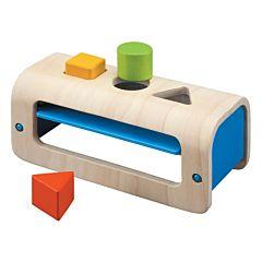 Развивающая игрушка PlanToys Сортер с геометрическими фигурами
